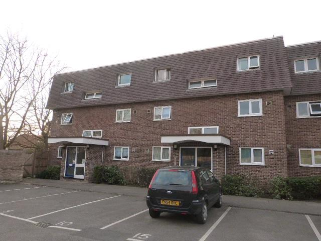 Bays Farm Court, Longford, Middlesex, UB7 0DY