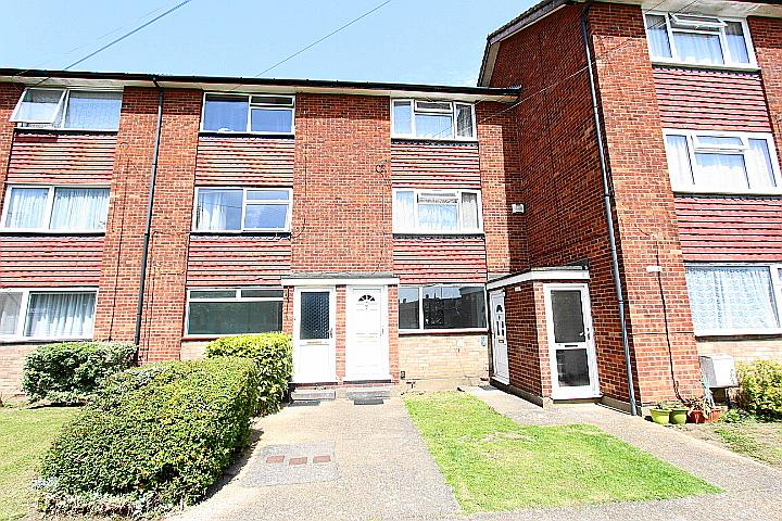Dallega Close, Hayes, Middlesex, UB3 1ED