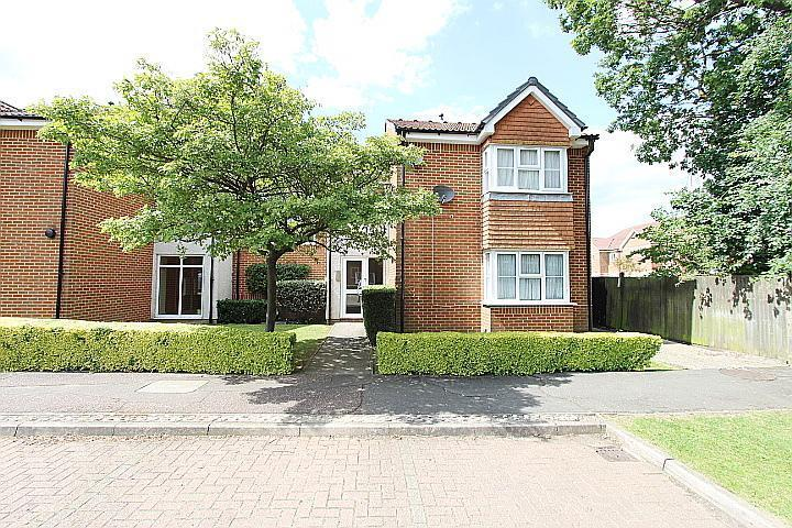 Heatherwood Drive, Hayes, UB4 8TN
